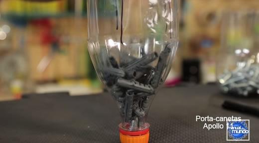 Potinho de garrafa PET com tampa automática