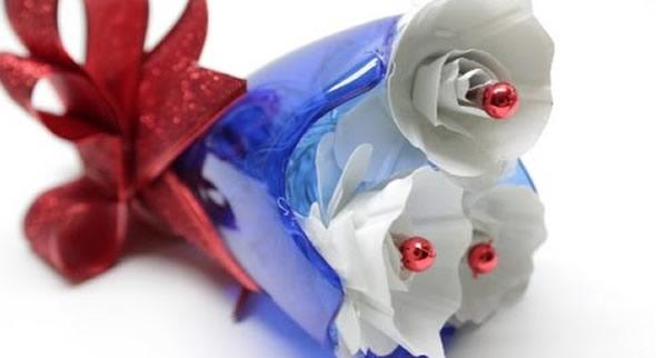 Buquê de Flores com Garrafa PET para Decoração de Natal