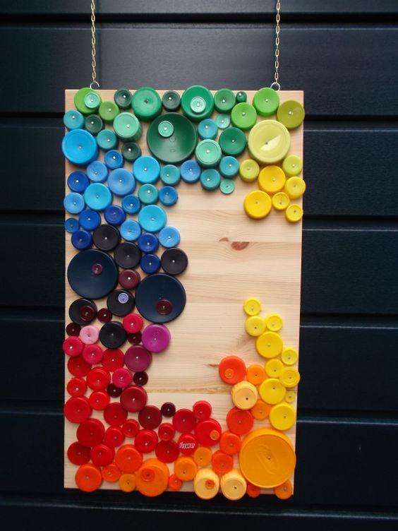 Artesanato decorativo com tapinhas de garrafa PET