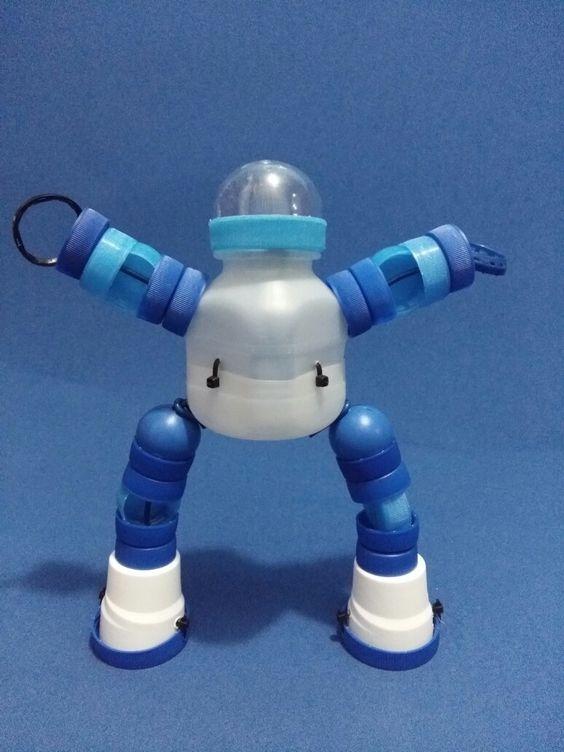 lindo robô sendo montado