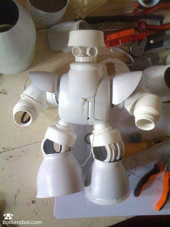 robô sendo montado